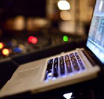 DJ LAPTOP